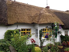thatch-cottage-5-day-wild-atlantic-way-tour
