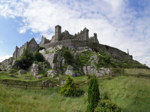 view of the rock of cashel on the 5-Day-WILD-atlantic-way-Beer-Tour
