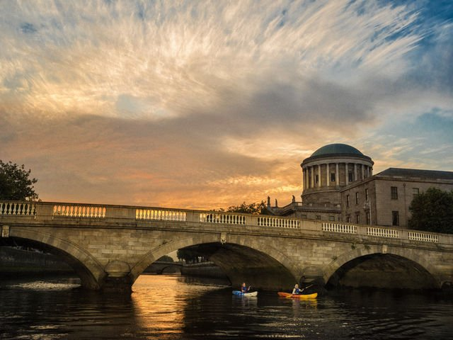 kayaking on the liffey in dublin